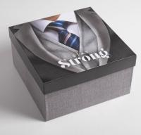 """Подарочная коробка """"Джентльмен""""22 х 22 х 12 см"""
